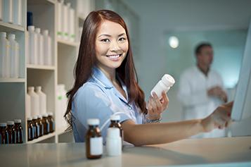 iStock_pharmacy girl 000022775682